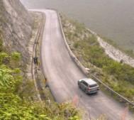"""Những nguyên tắc """"sống còn"""" khi lái xe đường đồi núi"""